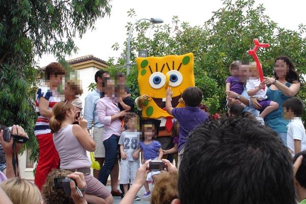 mascota-esponja-malaga-fiestas-infantiles